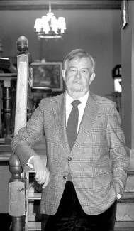 """José María Guelbenzu ESCRITOR : """"La crítica literaria en España es mala"""""""
